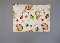 Пеленка непромокаюча (біла з лінивцем), 11032