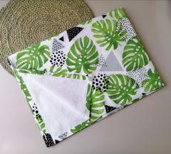 Пеленка непромокаюча 65Х 90 см, біла з зеленим (листя пальми), 11032