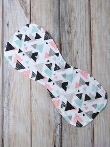 Рушник для гігієни новонародженого (кольорові трикутники), MagBaby 130752