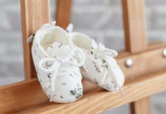 Бавовняні пінетки для малюка (білі в квіточку), 1059