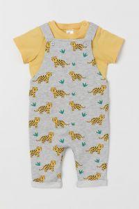 Комплект с футболкой и комбинезоном для ребенка
