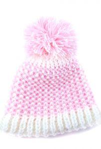 Красива шапочка для дівчинки, ручної роботи