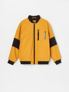 Стильная куртка-бомбер для мальчика