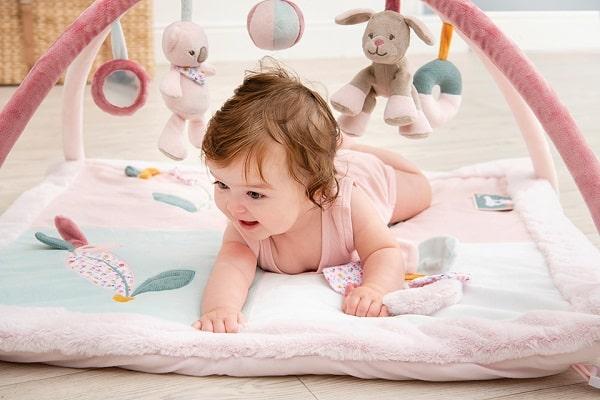 Як обрати розвиваючий коврик для дитини